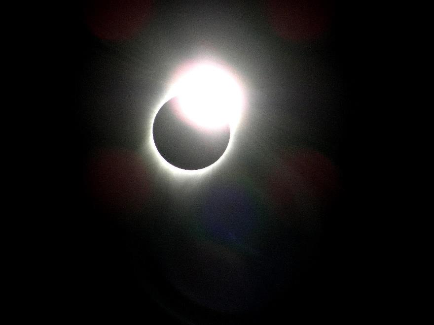 Another fine shot of the eclipse by Charles Montross.