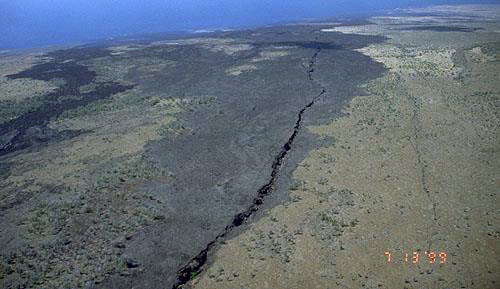 The Great Crack as seen from the air. From NASA's virtually Hawaii project.