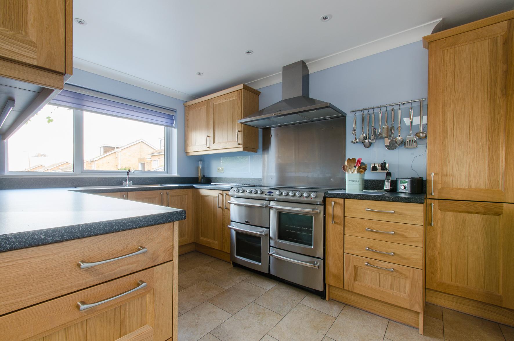 36 Cranleigh kitchen 3.jpg