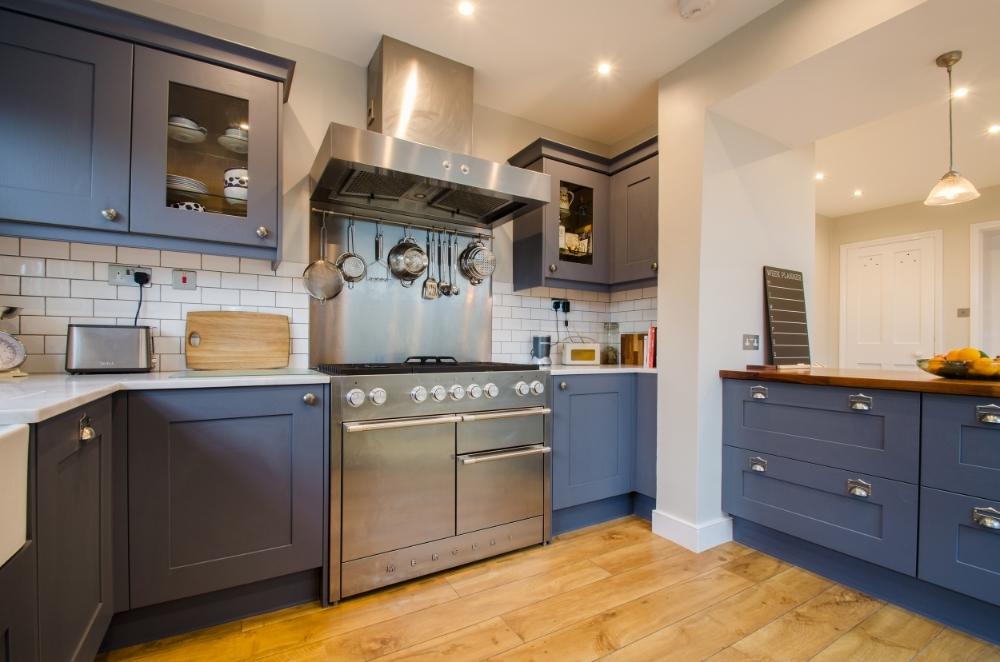 Victoria Road kitchen2.jpg