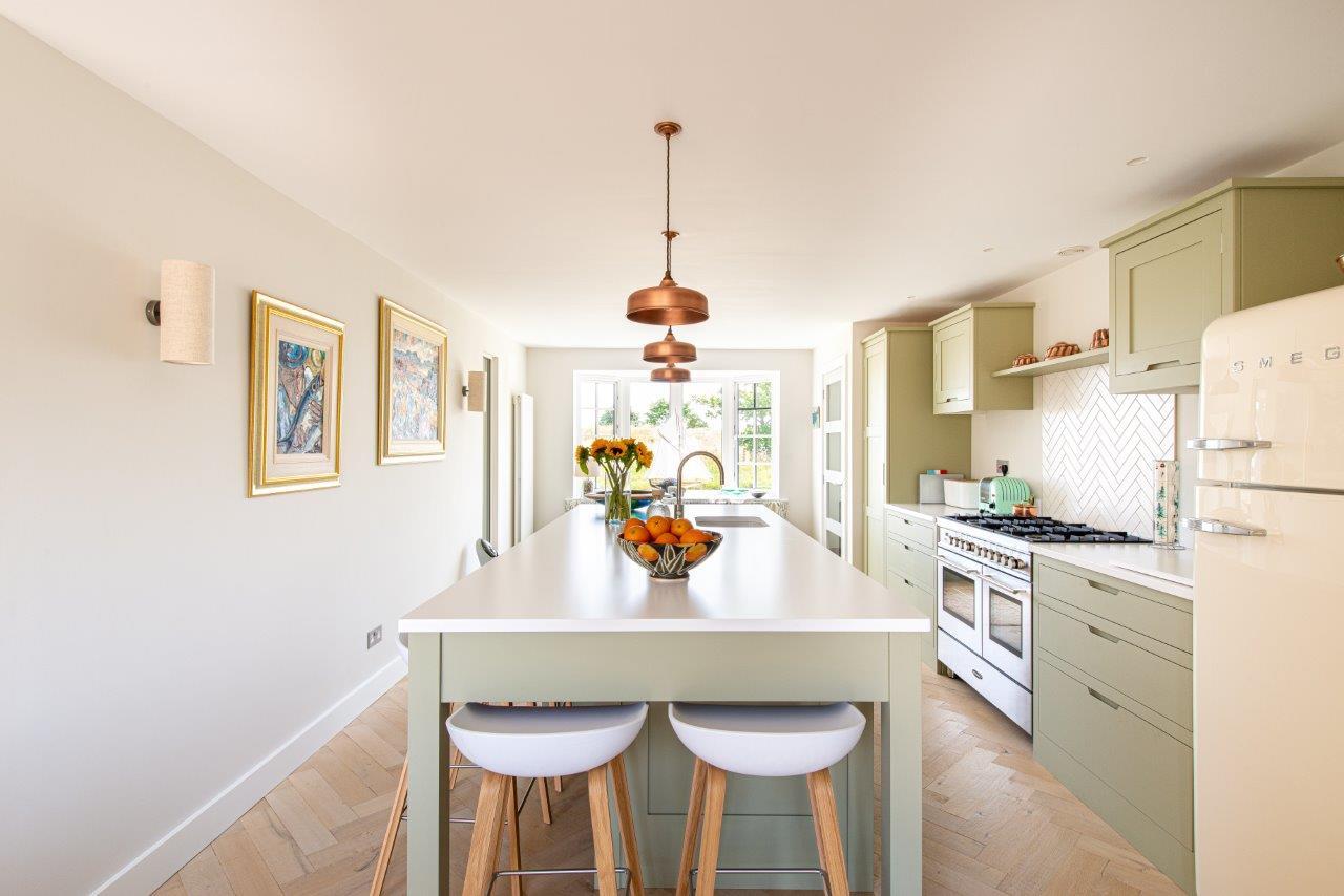 Deal Kitchen 02.jpg