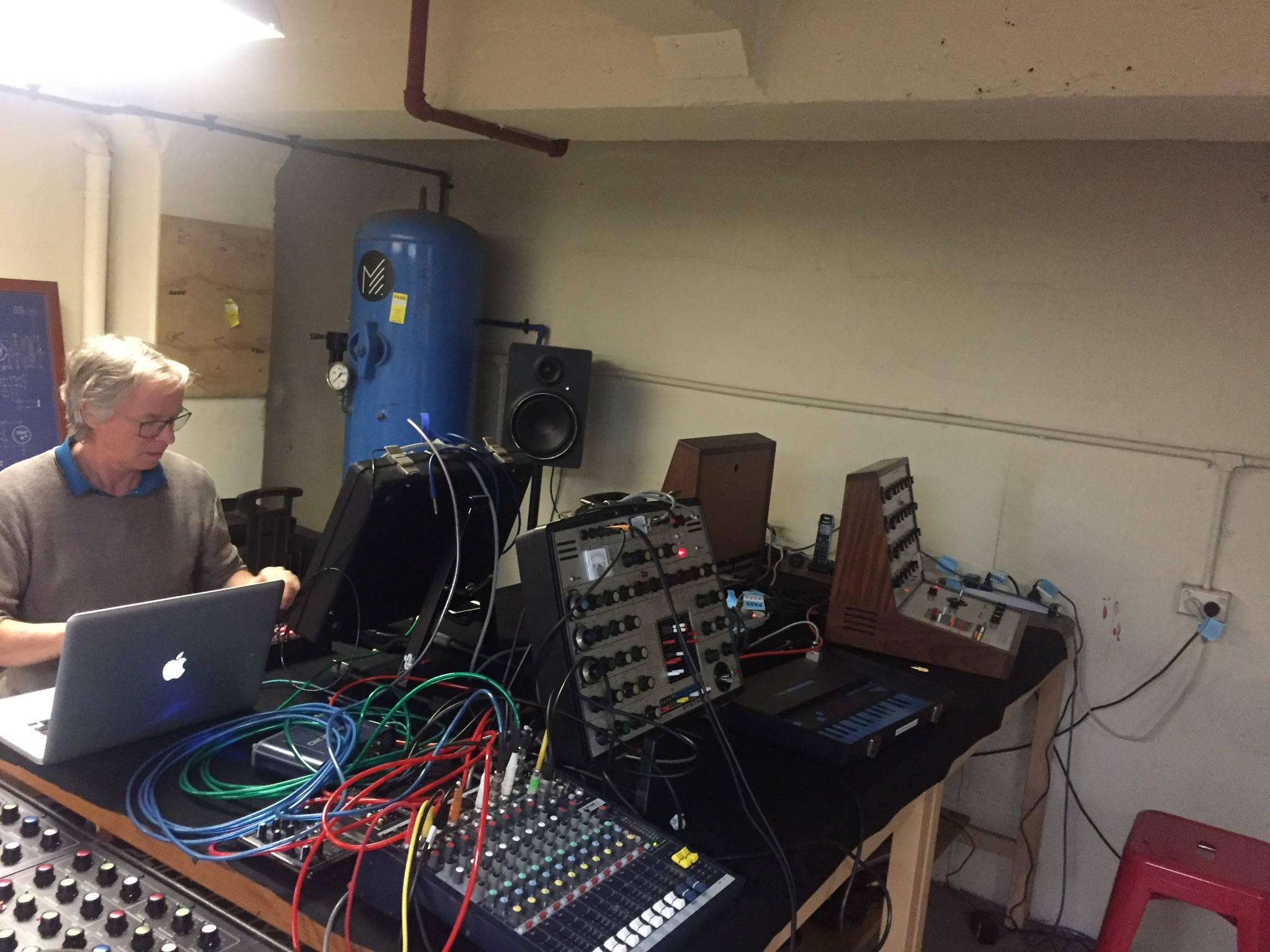 The setup, David and The SYNTHI AKS