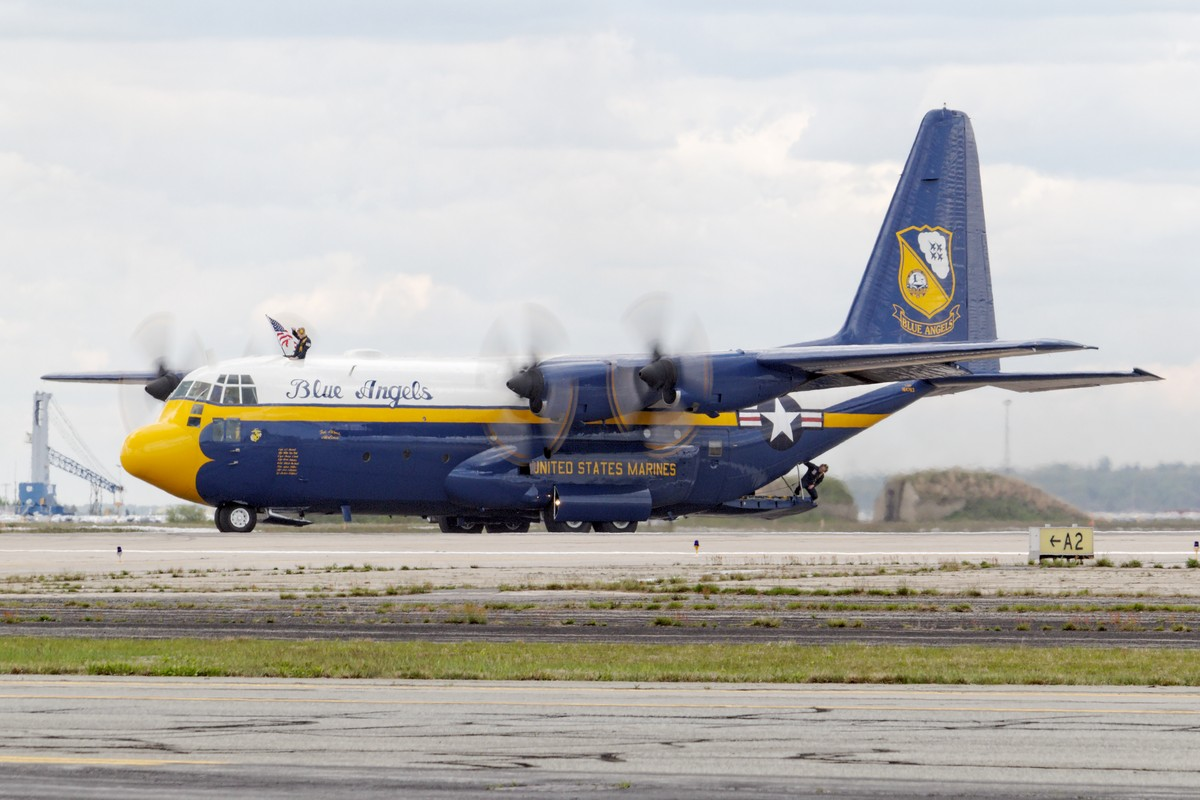 "Blue Angels' C-130T ""Fat Albert"""