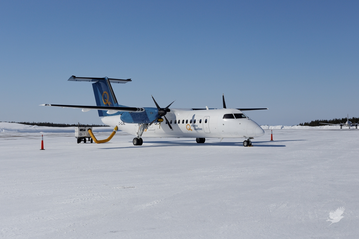 DHC-8-300 owned by Hydro Quebec
