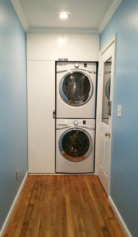 Hallway -- now laundry/mud room