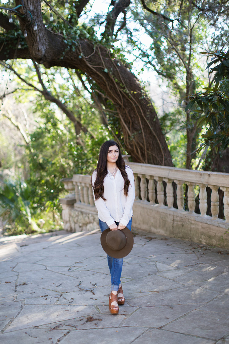 Paige-Newton-Imagery-Senior-Portrait-Photography-Contemporary-Austin_0031.jpg