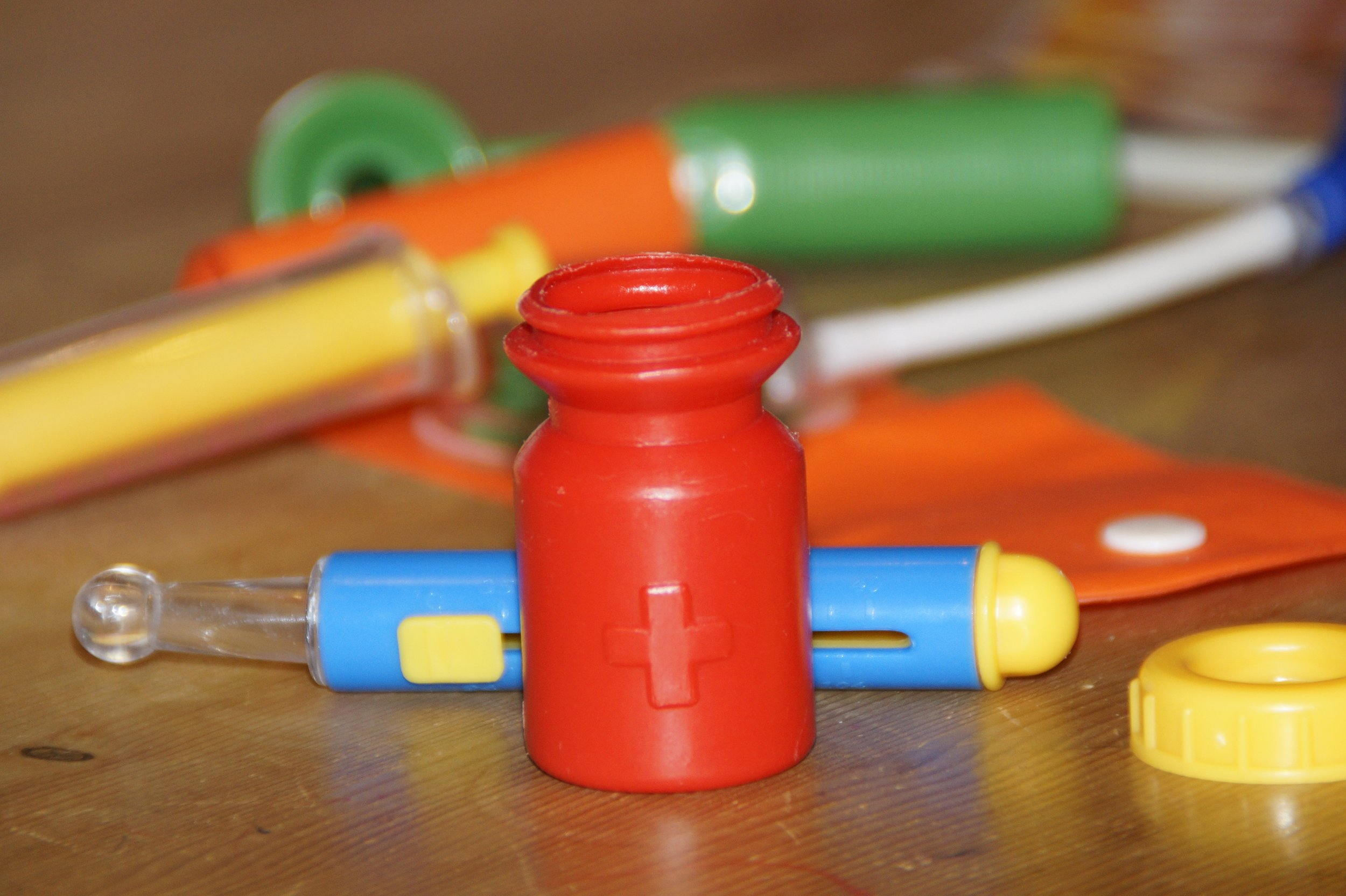 play-color-child-bottle-yellow-toy-1003303-pxhere.com.jpg