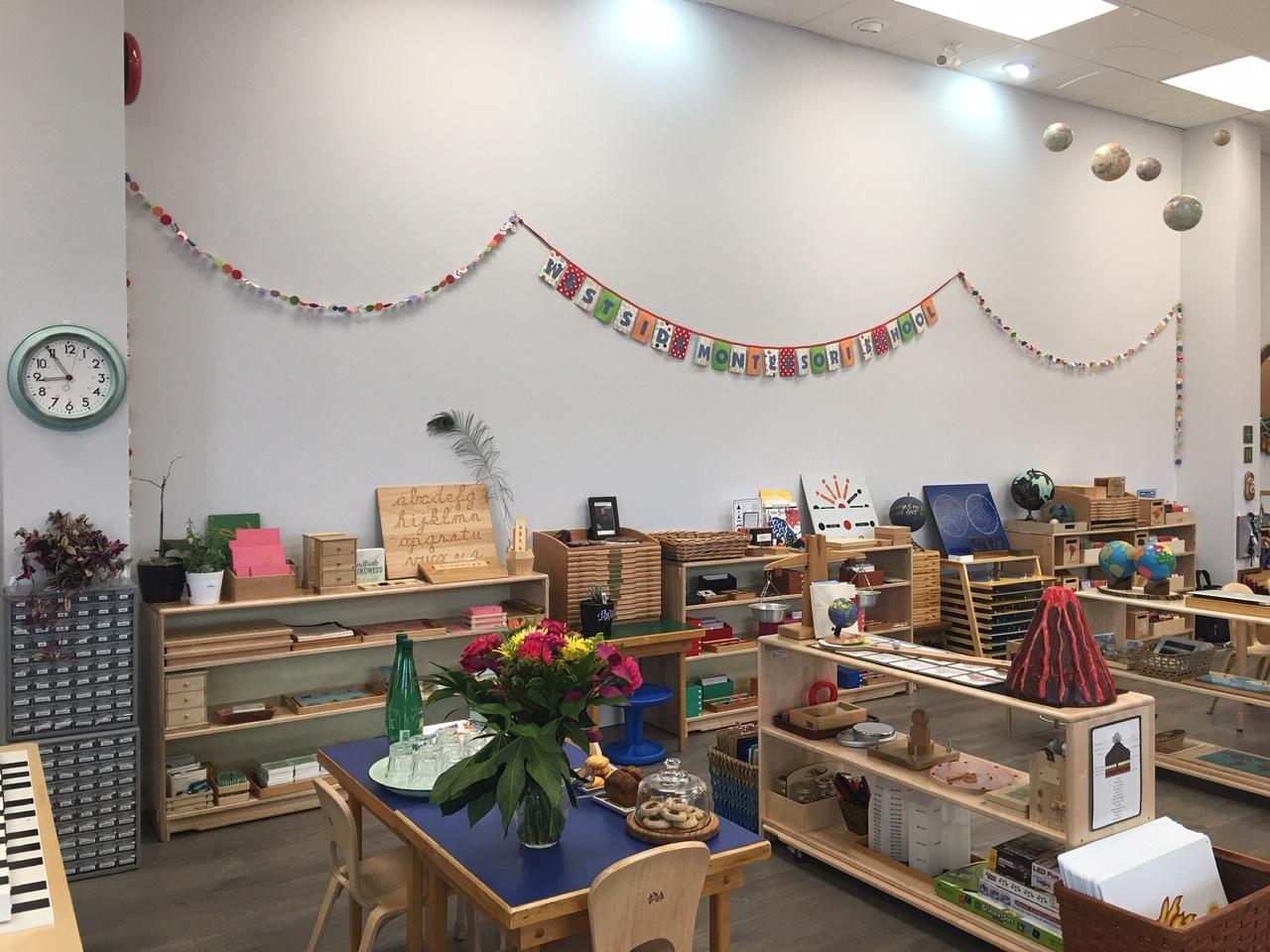 Westside Montessori in Vancouver ( @montessori_elementary )