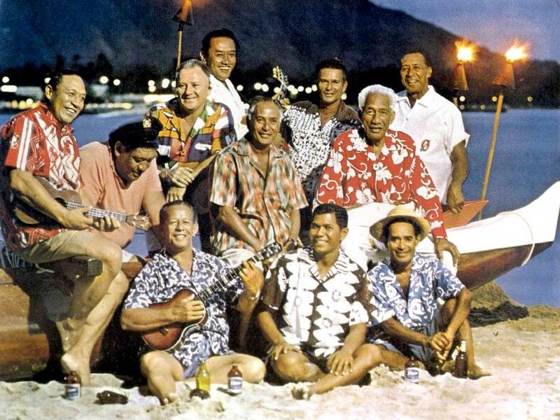 005-hawaii-duke-at-waikiki.jpg