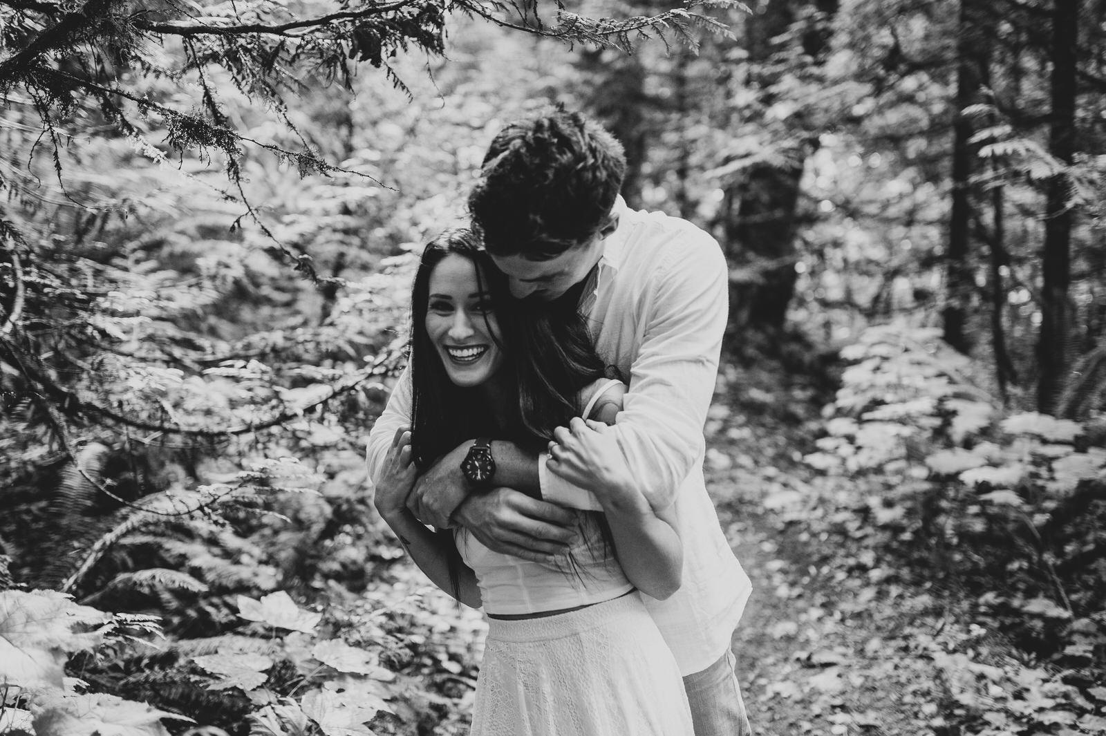 engagement-couple-dani+sheldon-yarrow-bc-iamjohnyoo_10.jpg