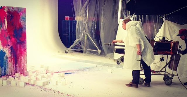 #tbt when the glimmertwins showed their artistic side #panoramasfx #sfx #specialeffects #specialeffekter #aircannon #colourbomb #glimmertwins #onset