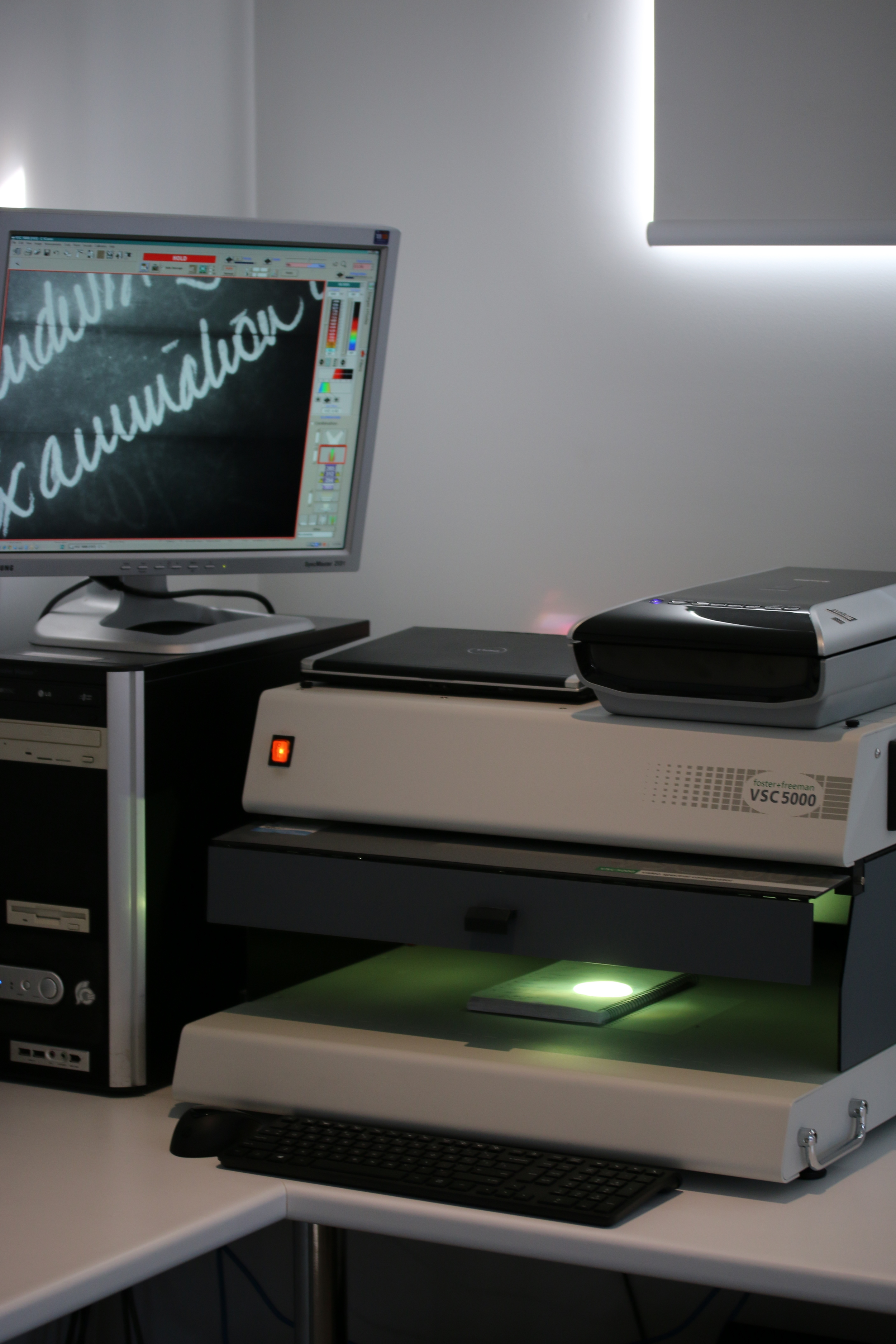 video spectral comparator