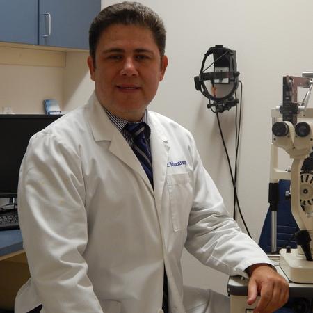 Dr. Efrain Mascareño