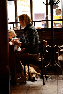 yup, dogs are everywhere in Paris