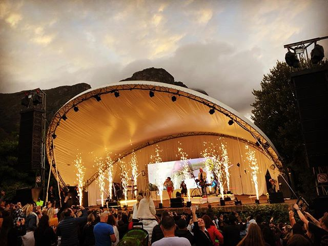 Last Summer Sunset Concert in the beautiful Kirstenbosch Gardens. And what a spectacular show it was. Thank you @easyfreakmusic & @goodlucklive for the incredible performances!!! #music #nature #summer #capetown #sunset #home