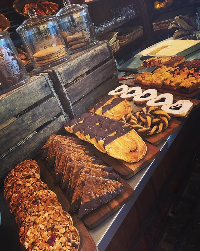 Nothing like the smell of fresh pastries in the morning. #bakery #capetown #food #dolce #travel