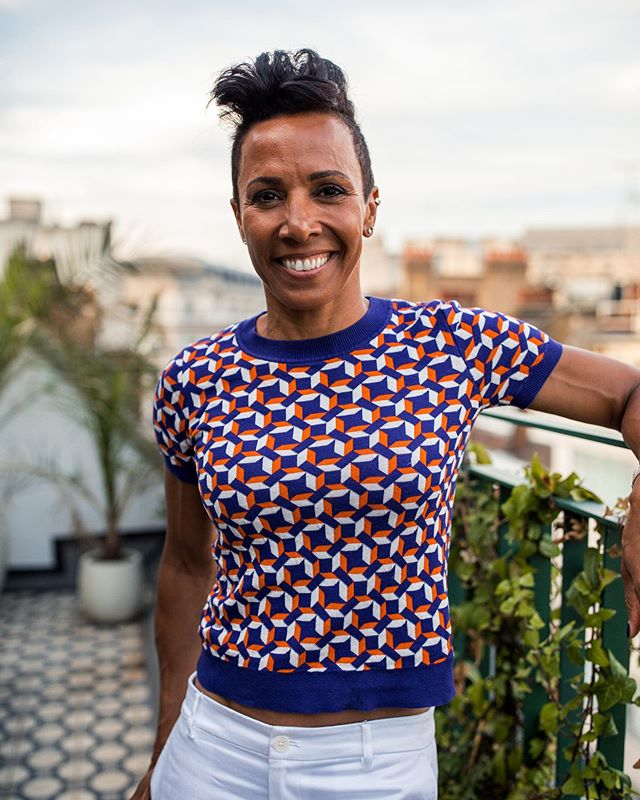Working with the inspirational Colonel Dame Kelly Holmes DBE for @pukkaherbs yesterday.  _ #kellyholmes #pukka #pukkaherbs #tumeric #commercialphotography #lifestylephotographer #london #branding #londonphotographer #portrait #londonrooftops