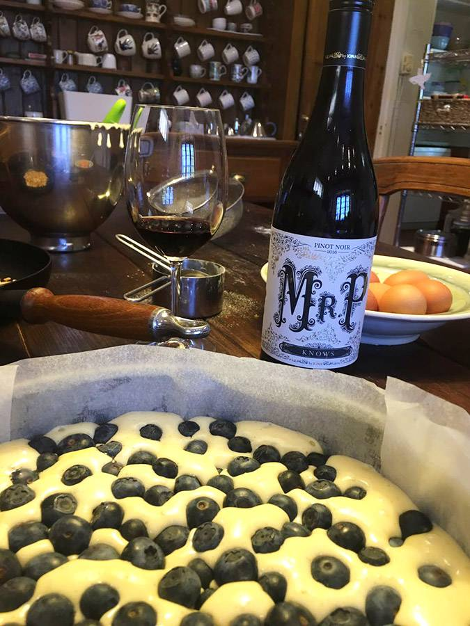 rozy-recipe-tosca-blueberry-cake-with-mr-p-03.jpg