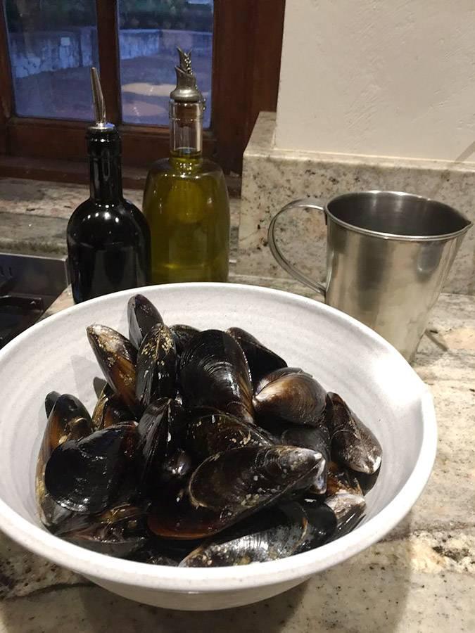 rozy-recipe-mussels-with-iona-sauvignon-blanc-01.jpg