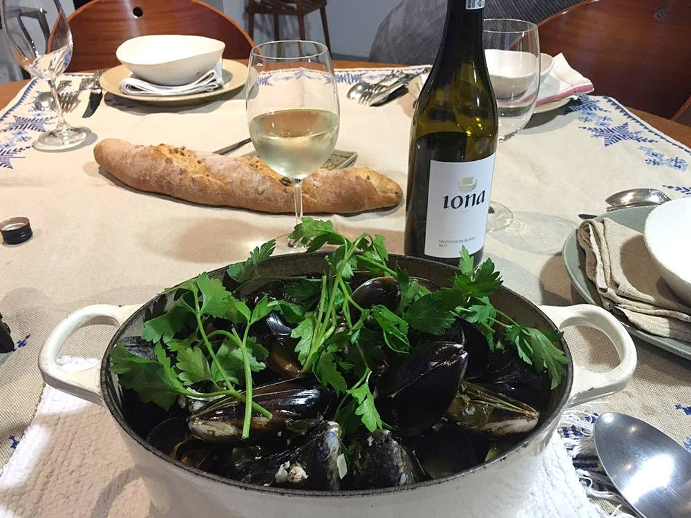 rozy-recipe-mussels-with-iona-sauvignon-blanc-04.jpg
