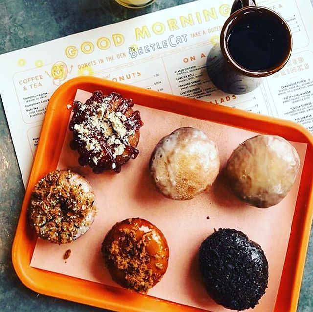 Hot 🍩's! @beetlecatatl @andrew.isabella #inmanparkbrunch nice pic @serial_eats 💪🏼