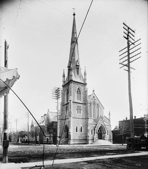 The current church building, completed in 1897.  William James Topley/Library and Archives Canada/PA-009056