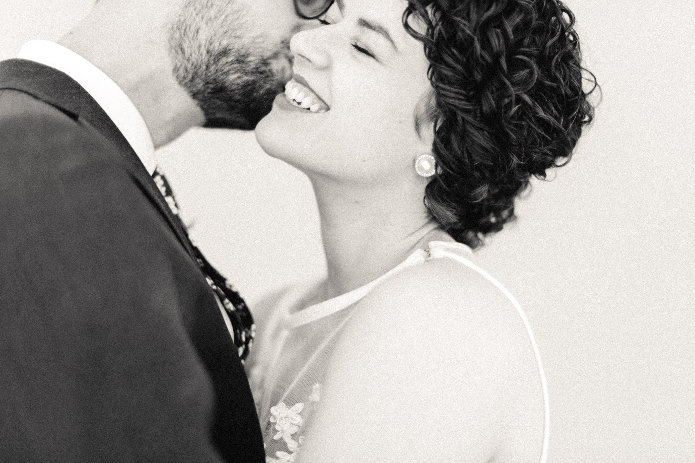 intimate_gladstone_hotel_wedding_photography-161.jpg