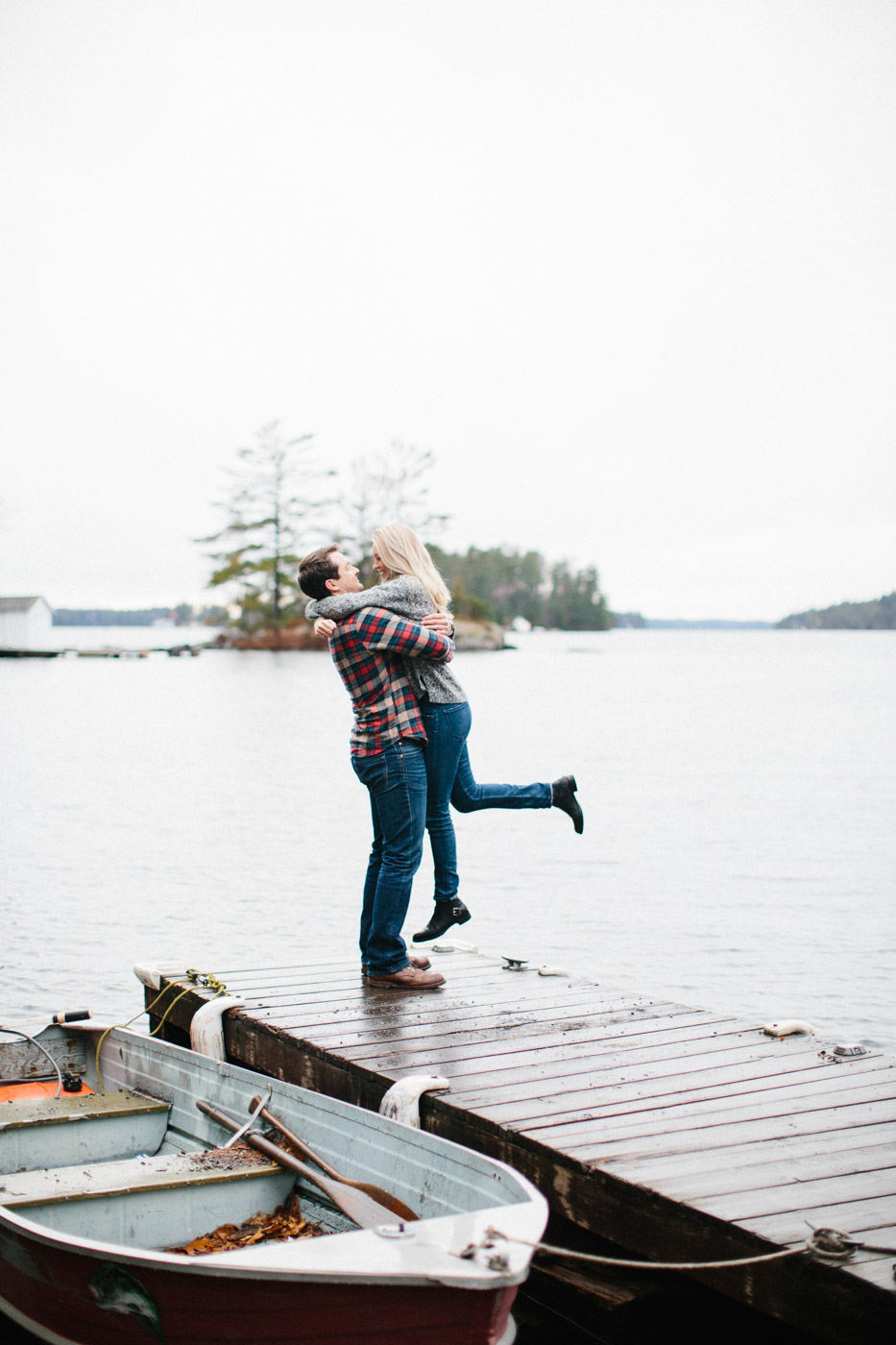 toronto_wedding_photographer_engagement_photography_tips-21.jpg