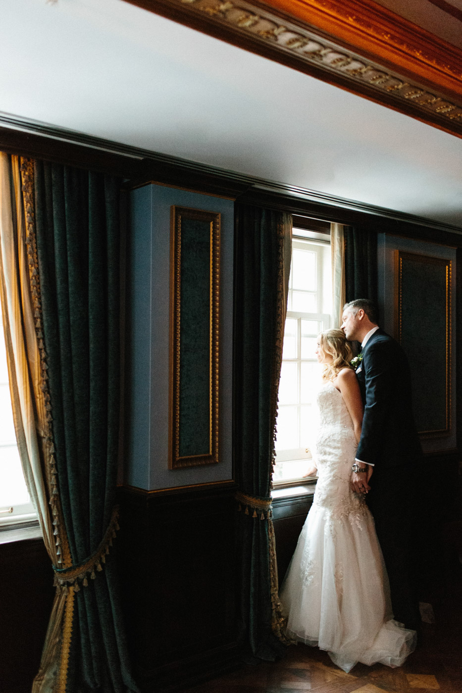 toronto_wedding_photographer_winter_wedding-32.jpg