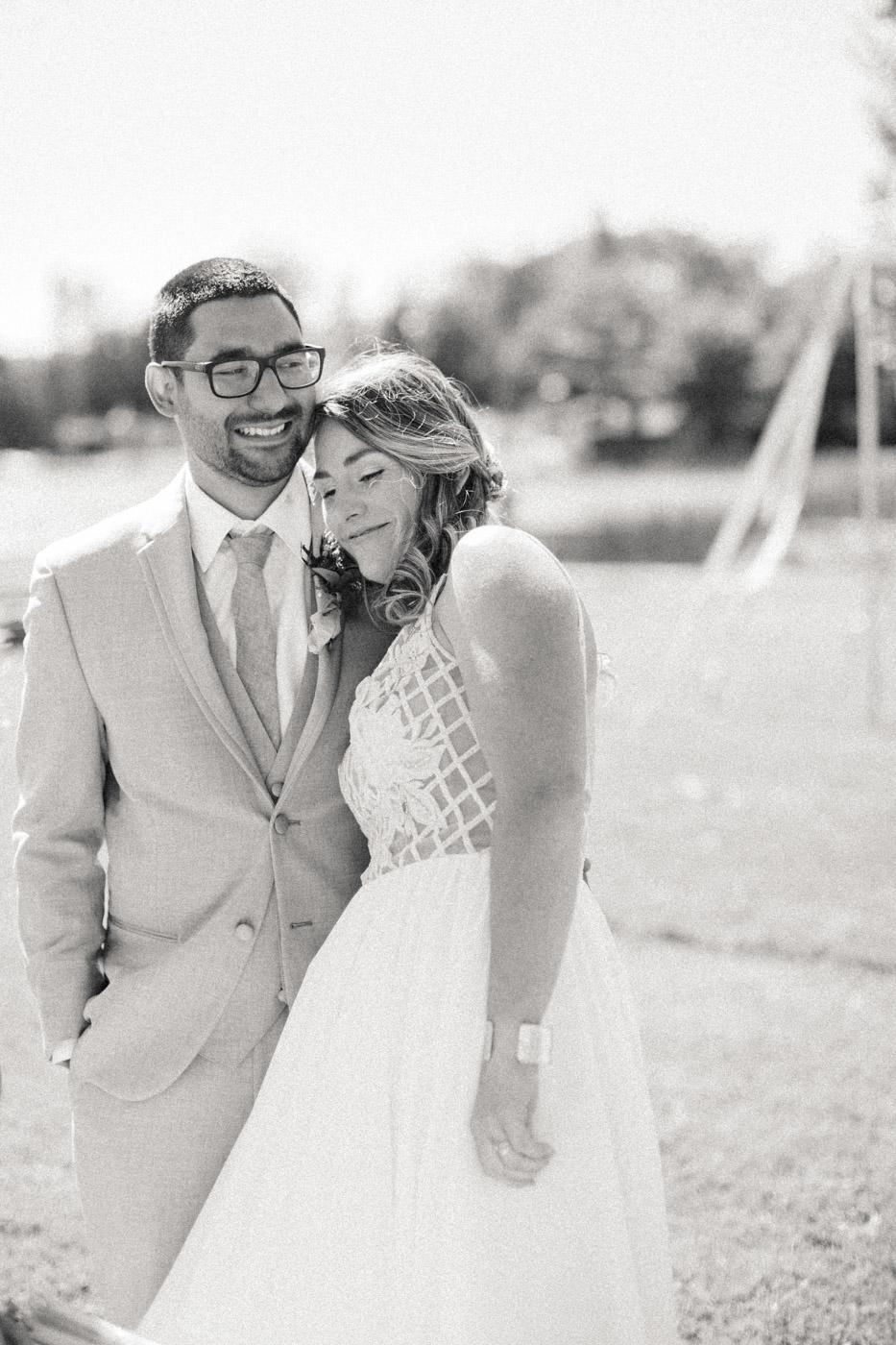 toronto_wedding_photographer_backyard_wedding-19.jpg