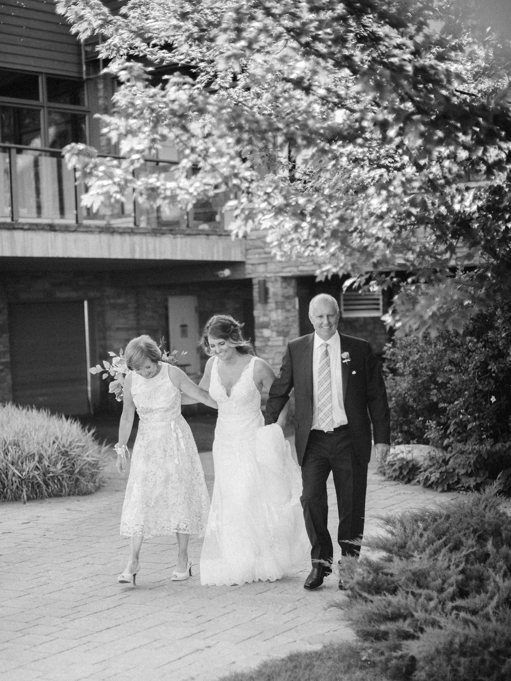 relaxed_collingwood_cottage_wedding_toronto_wedding_photographer-61.jpg