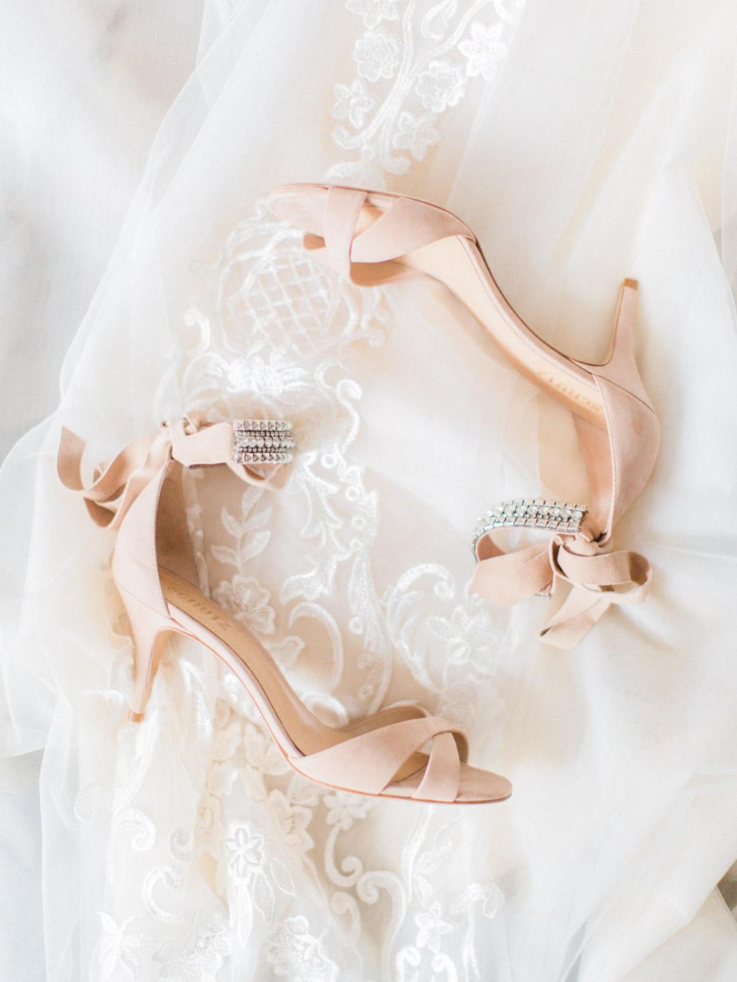 Downtown Toronto Berkeley Fieldhouse Wedding Blush Bridal Inspiration