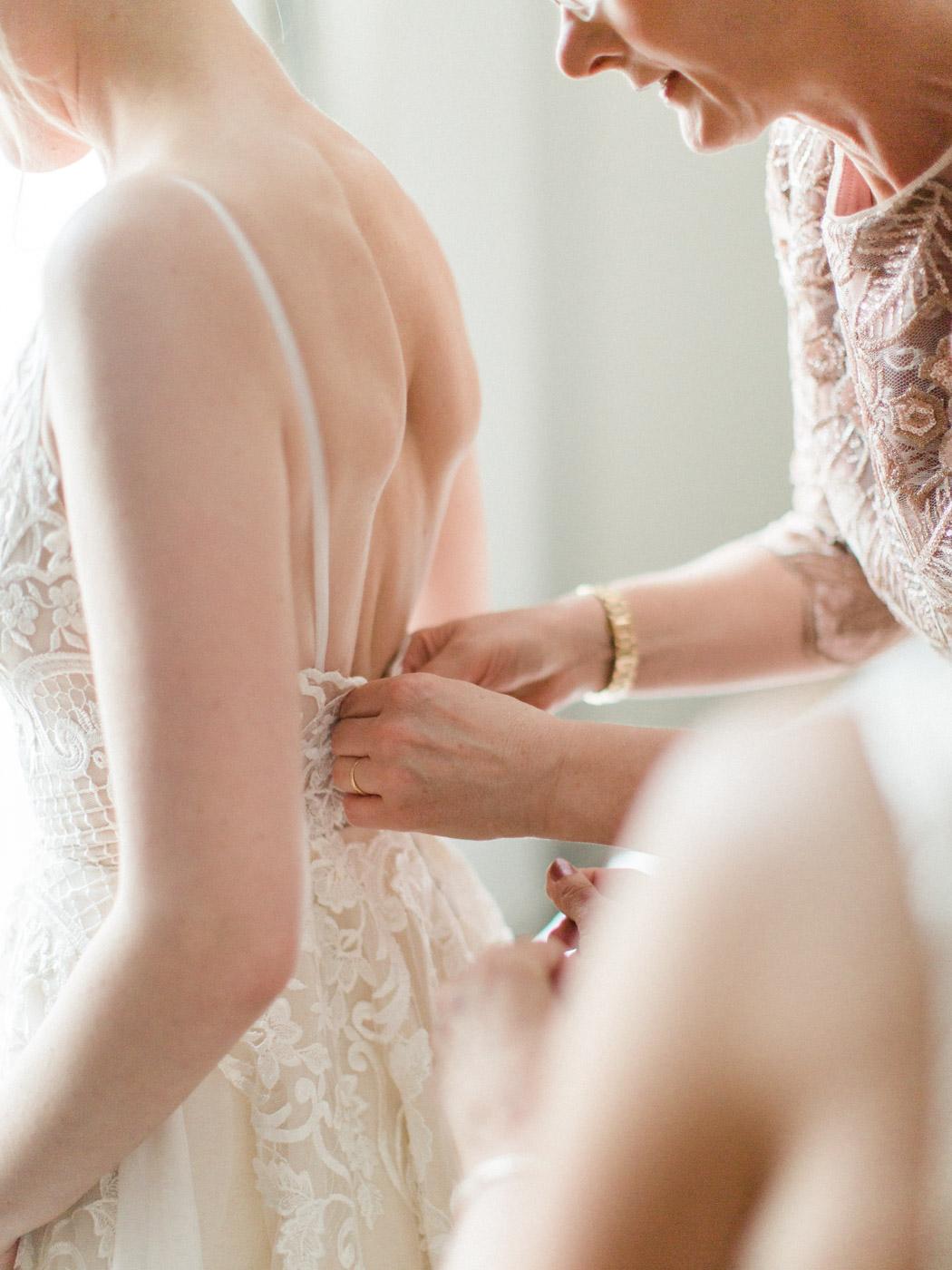 downtown-toronto-wedding-photographer-berkley-fieldhouse-blush-101.jpg