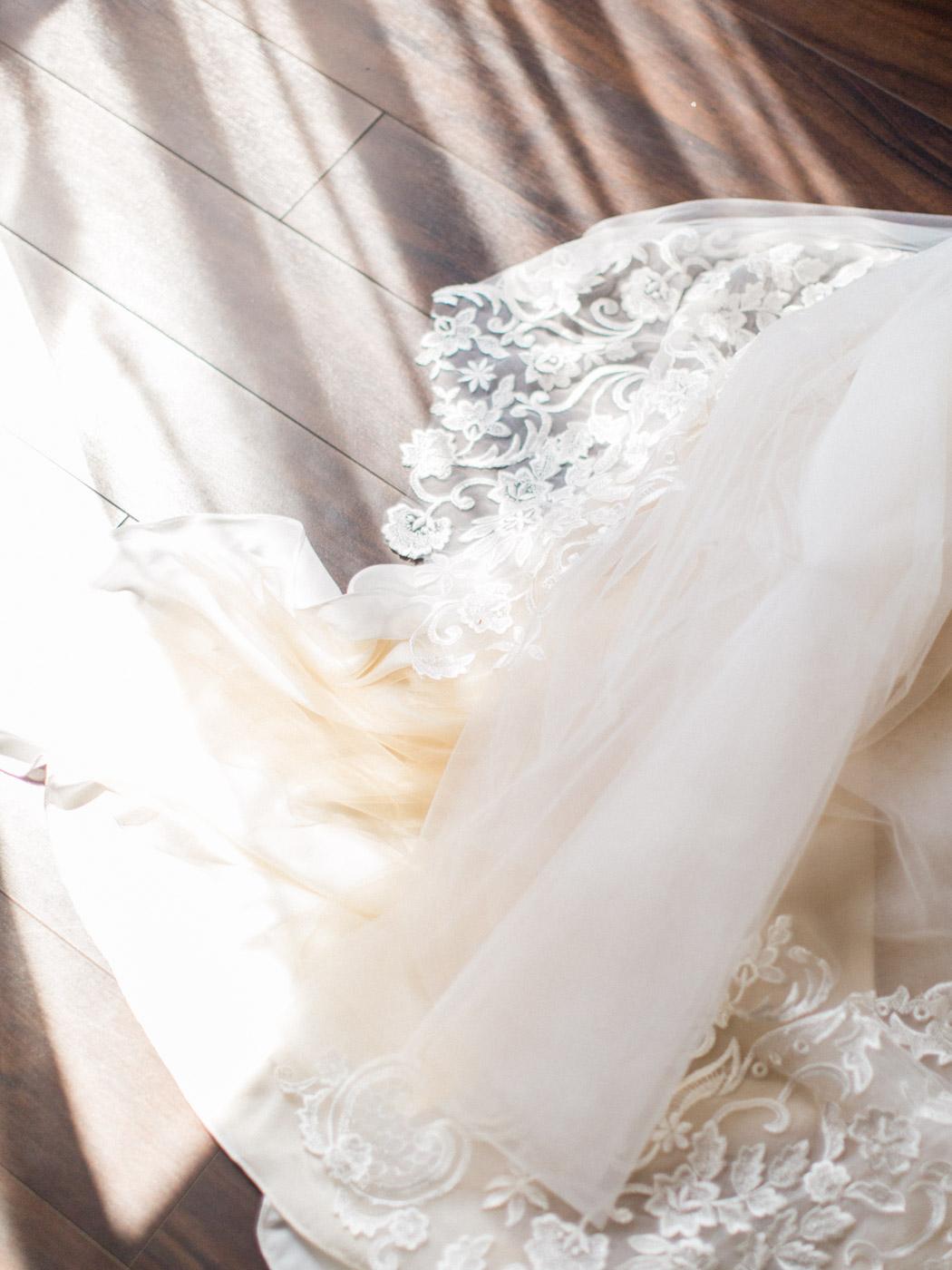 downtown-toronto-wedding-photographer-berkley-fieldhouse-blush-129.jpg