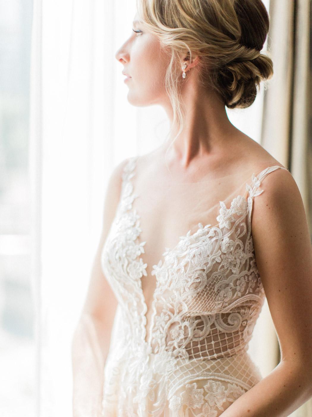 downtown-toronto-wedding-photographer-berkley-fieldhouse-blush-127.jpg