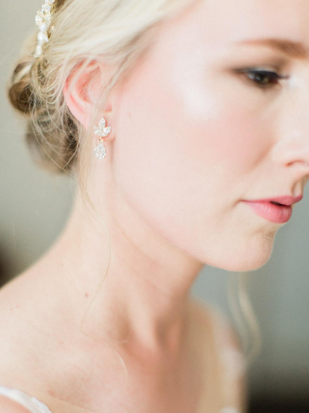 downtown-toronto-wedding-photographer-berkley-fieldhouse-blush-133.jpg