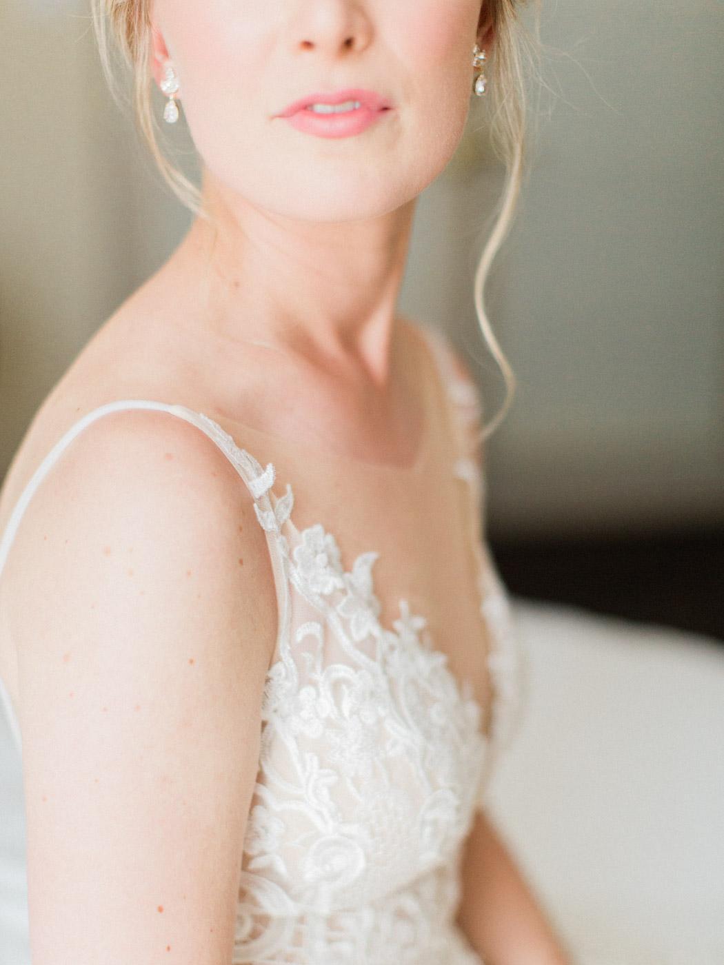 downtown-toronto-wedding-photographer-berkley-fieldhouse-blush-131.jpg