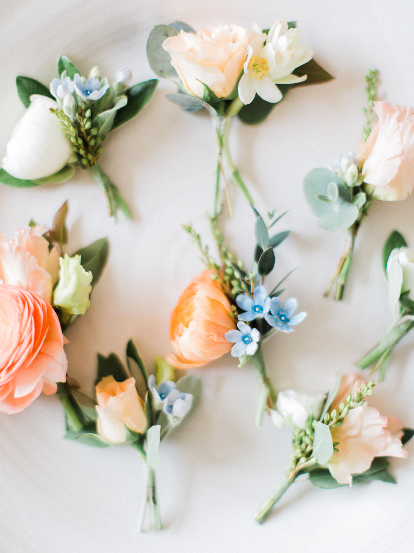 toronto-collingwood-wedding-photographer-at-home-engagement-inspiration 2018-27.jpg