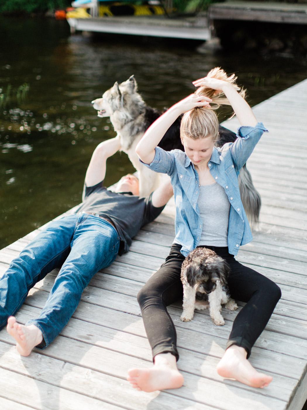 toronto-wedding-photographer-summer-muskoka-engagement-dogs-dockside-14.jpg