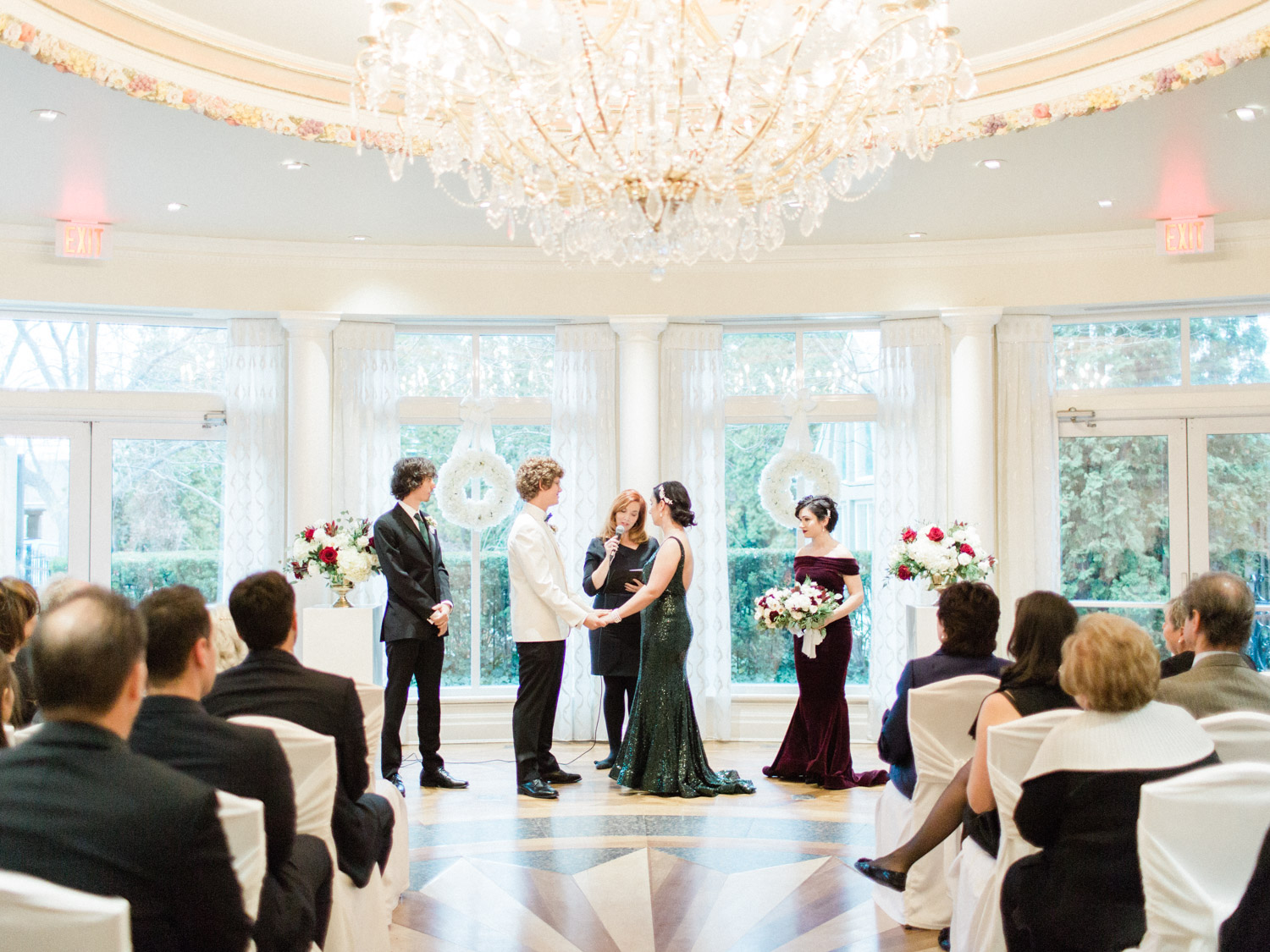 winter wedding at queens landing hotel in Niagara on the Lake