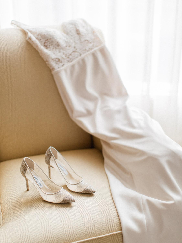 Toronto-wedding-photographer-intimate-italian-the-burroughes-downtown2.jpg