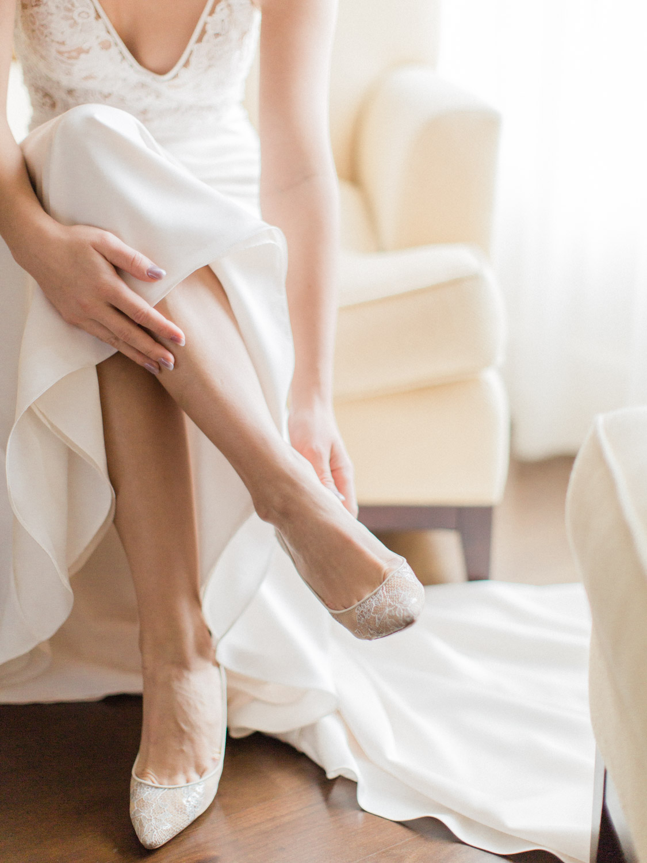 Toronto-wedding-photographer-intimate-italian-the-burroughes-downtown16.jpg