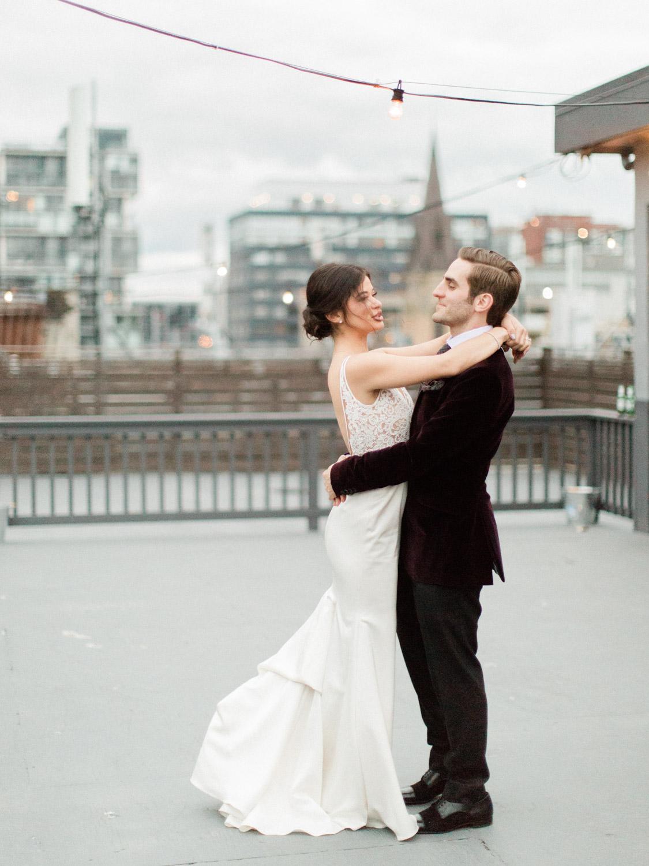 Toronto-wedding-photographer-intimate-italian-the-burroughes-downtown120.jpg