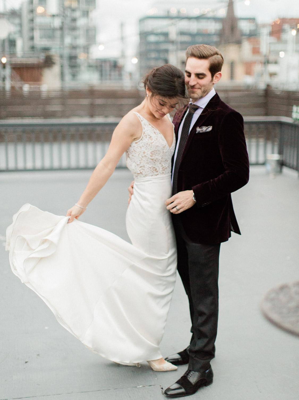 Toronto-wedding-photographer-intimate-italian-the-burroughes-downtown123.jpg