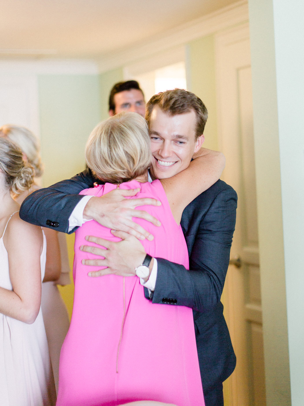 Toronto-Muskoka-wedding-photographer-summery-fun-documentary-the-marriott-rosseau59.jpg
