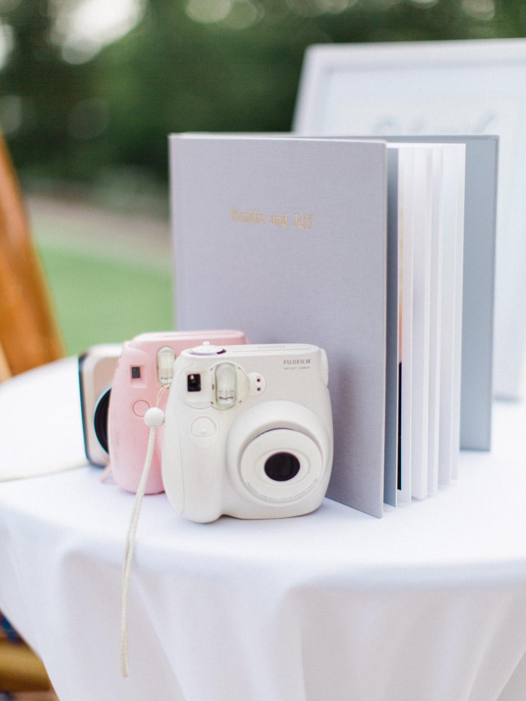 Toronto-Muskoka-wedding-photographer-summery-fun-documentary-the-marriott-rosseau61.jpg