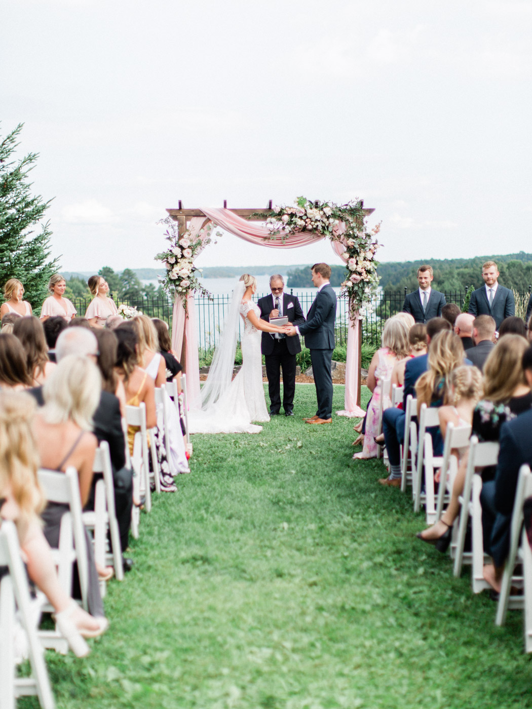 Toronto-Muskoka-wedding-photographer-summery-fun-documentary-the-marriott-rosseau82.jpg