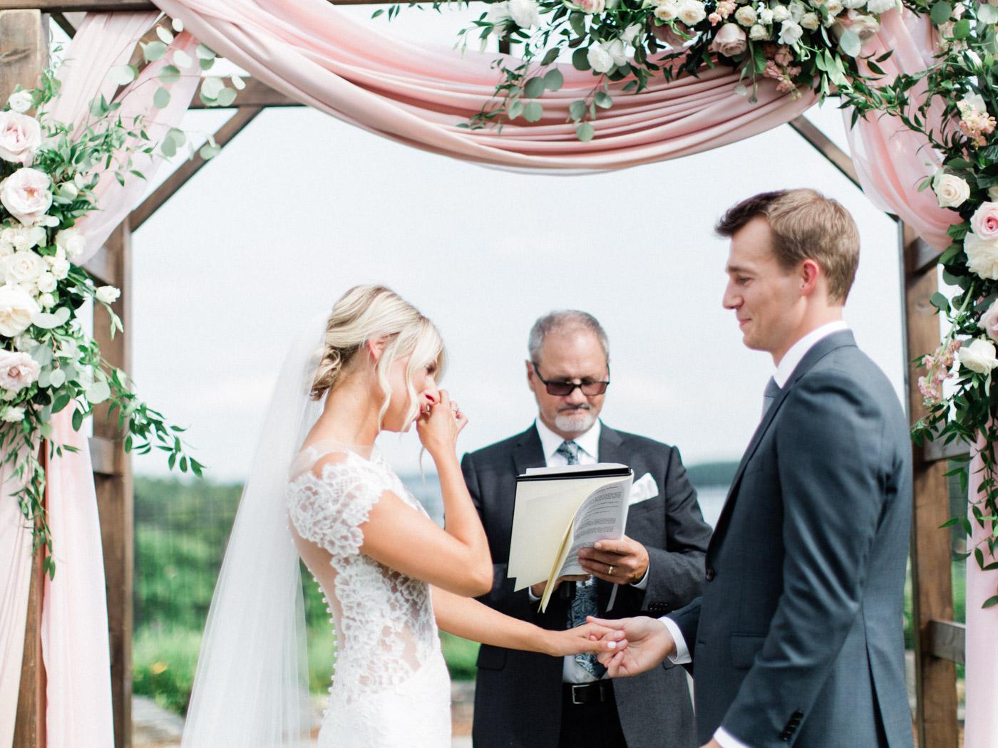 Toronto-Muskoka-wedding-photographer-summery-fun-documentary-the-marriott-rosseau84.jpg