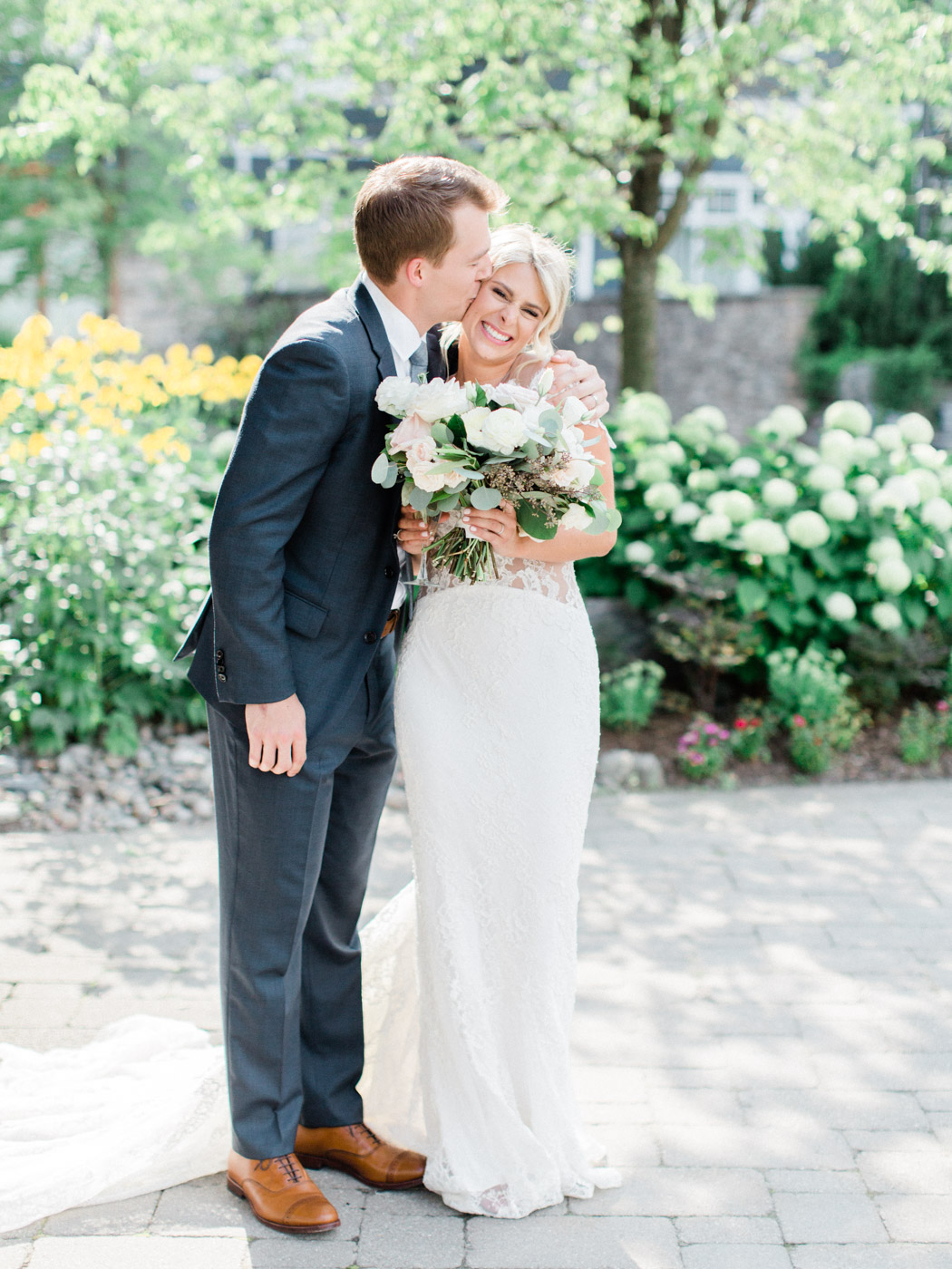 Toronto-Muskoka-wedding-photographer-summery-fun-documentary-the-marriott-rosseau91.jpg