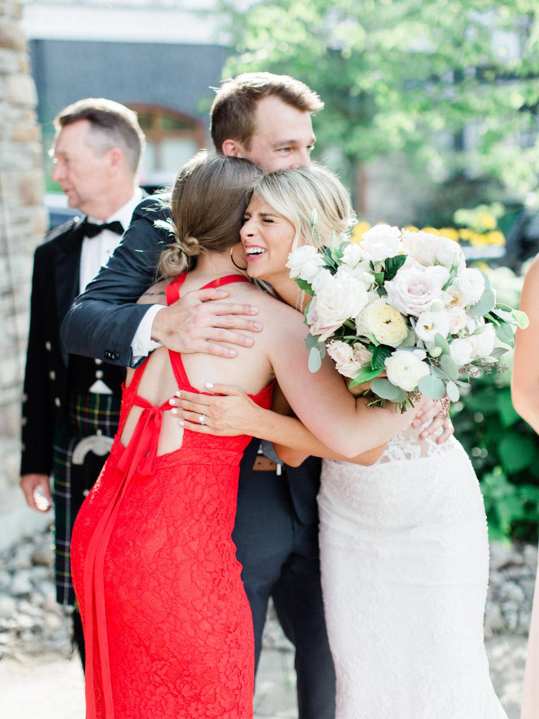 Toronto-Muskoka-wedding-photographer-summery-fun-documentary-the-marriott-rosseau96.jpg